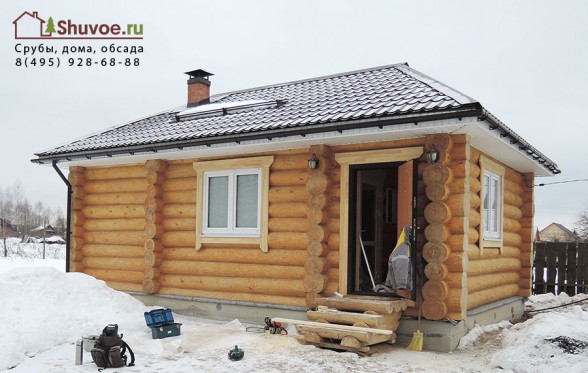 Рубленая баня в деревне Барсуки построена и отделана в компании Шувое.