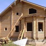 Окосячка проемов в деревянном доме. Работа летом 2013 г.
