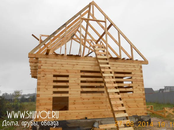 Дом 6*9 из профилированного бруса, фото строительства крыши