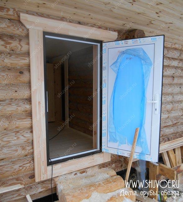 Установка входной двери ПВХ в деревянной бане