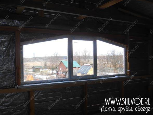 Окна в деревянной пристройке