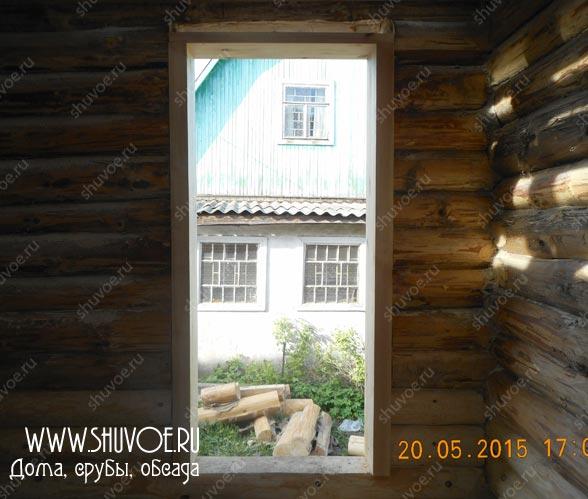 Деревянная обсада в доме - изготовление и установка обсада в компании Шувое, май 2015.