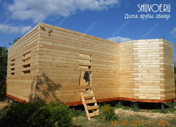 Строительство брусового дома с эркером в компании Шувое.