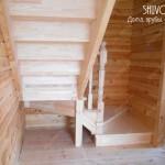 Лестница на 2 этаж в брусовом доме - строительство под ключ.