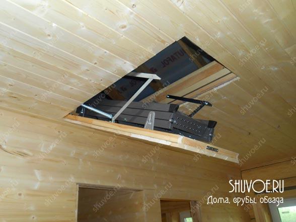 Отделка внутри деревянного дома выполнена компанией Шувое в 2015 году.
