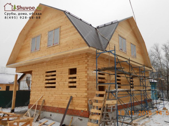 Брусовой дом 9х9 из профилированного бруса под крышу.
