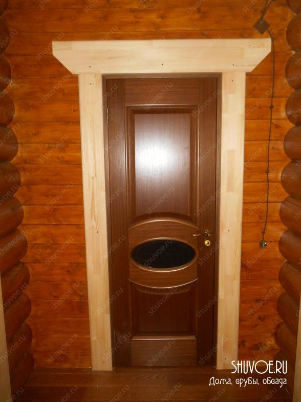 Клеевые деревянные наличники весьма популярны.