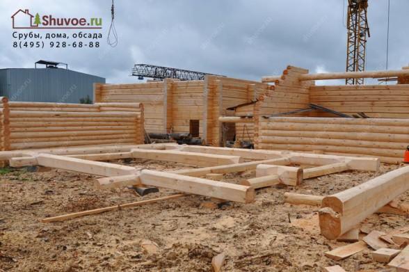 Строительство рубленой бани из лафета - в компании Шувое.